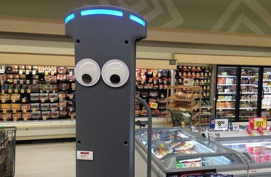 video marty v akcii zoznamte sa v obchode s robotom s ocarujucimi ocami