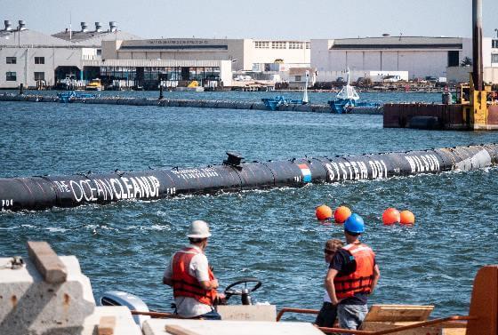 video zacalo sa velke upratovanie ticheho oceanu od plastov